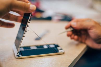 Où faire réparer son smartphone à Saintes ?